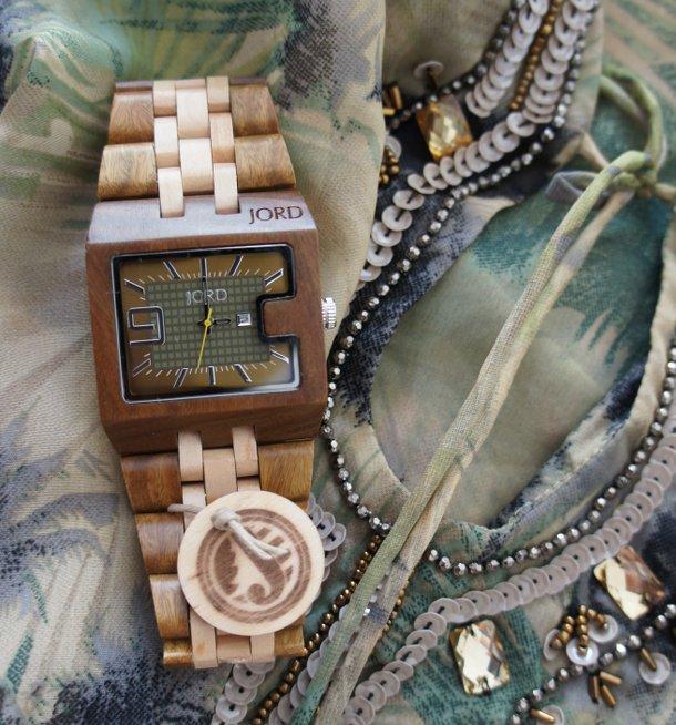 Holz Armbanduhr Square Maple ~ Und falls sie gar nicht gefällt, wird sie in Zukunft eben als