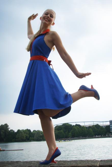 Popeye's Olivia tanzt