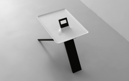 Design Beistelltisch / Side Table Tripod