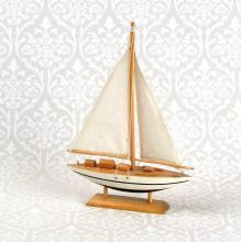 Boot über Noun Shop